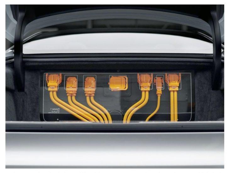 Volvo Polestar 1 это автомобиль из за которого должны волноваться в Tesla